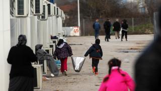 Ερώτηση Παπαθεοδώρου, Δανέλλη και Μπαργιώτα για σπατάλες στο προσφυγικό