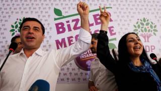 Τουρκία: Η εισαγγελία ζητά ποινή κάθειρξης 142 έτη για τον Ντεμιρτάς