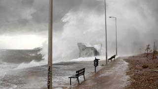 Καιρός: Χιόνια, καταιγίδες και ισχυροί άνεμοι