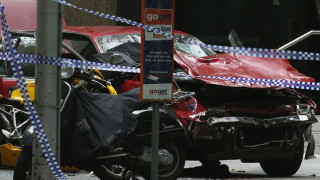 Μελβούρνη: Αυτοκίνητο έπεσε πάνω σε πεζούς - 3 νεκροί και 20 τραυματίες (pics&vid)