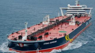 Απώλειες εσόδων 3,1 δισ. ευρώ από τον τουρισμό και τη ναυτιλία
