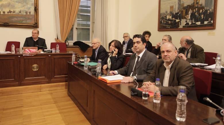 Συμφώνησαν ότι διαφωνούν τα κόμματα στην εξεταστική για τα δάνεια κομμάτων και ΜΜΕ