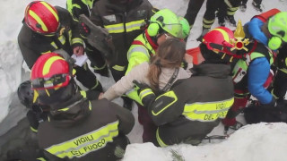 Χιονοστιβάδα Ιταλία: Ανασύρθηκαν τρία μικρά παιδιά