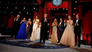 Λαμπερός ο πρώτος χορός της νέας προεδρικής οικογένειας των ΗΠΑ (pics)