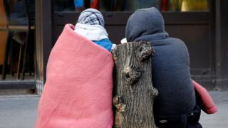 Οι άστεγοι, σύγχρονοι «άθλιοι» του Παρισιού στη μάχη με το κρύο