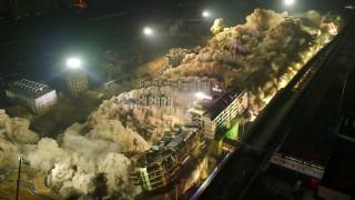 19 κτίρια «εξαφανίστηκαν» έπειτα από ελεγχόμενη έκρηξη στην Κίνα (vid)