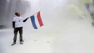 «Άσπρισαν» οι Βρυξέλλες από διαμαρτυρία αγροτών (pics&vid)