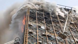 Η στιγμή της κατάρρευσης του ουρανοξύστη στην Τεχεράνη