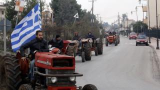 Μπλόκα Αγροτών: Έκλεισαν την Ιόνια Οδό στο ύψος της Άρτας