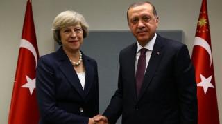 Συνάντηση Μέι με Ερντογάν στην Άγκυρα
