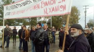 Μπλόκα αγροτών: Προβλήματα και στην Κρήτη