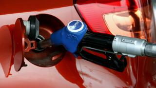 Έκλεψε αυτοκίνητο και το γέμισε βενζίνη δωρεάν, παριστάνοντας τον αστυνομικό