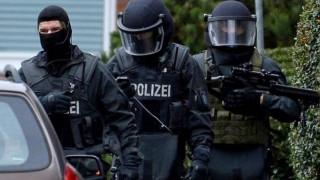 Γερμανία: Έφοδος της αστυνομίας για τον εντοπισμό ακροδεξιών που σχεδίαζαν ένοπλες επιθέσεις