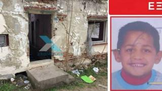 Θρήνος στην κηδεία του 6χρονου αγοριού στην Κομοτηνή (pics&vid)