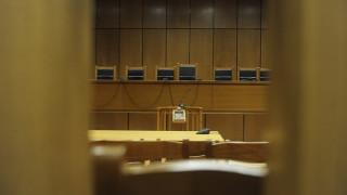 Δεκαετής φυλάκιση και ποινή 200.000 ευρώ σε πρώην επιθεωρητή του ΥΠΟΙΚ