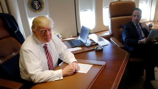 Ντόναλντ Τραμπ: Το παρθενικό του ταξίδι με το Air Force One (pic+vid)