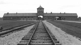 «Σκοτωμός» στη Γερμανία από τον αποκλεισμό ακροδεξιού βουλευτή