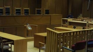 Προφυλακίστηκε λέκτορας του ΑΠΘ για το θάνατο δύο γυναικών με αρσενικό