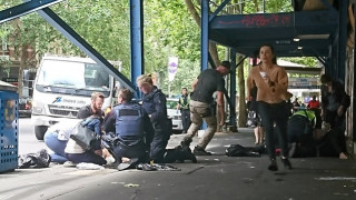 Συγκλονιστικό βίντεο με τον Ελληνοαυστραλό να σκορπά το θάνατο