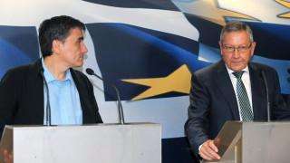 ESM: Κανένας λόγος για επανεξέταση του ελληνικού χρέους