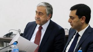 Κυπριακό: «Θα βοηθήσει την Κύπρο η παραμονή ενός λογικού αριθμού Τούρκων στρατιωτών» λέει ο Ακιντζί