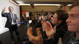 Γαλλία: η νίκη του Αμόν και η επόμενη ημέρα στο κόμμα των σοσιαλιστών