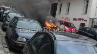 Λαμία: Η «τρελή» πορεία φλεγόμενου αυτοκινήτου (vid&pics)