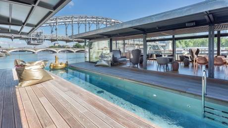 Τα πιο εντυπωσιακά πλωτά ξενοδοχεία στον κόσμο