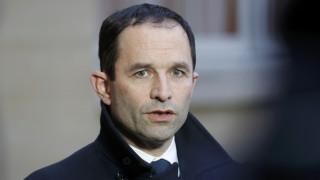 Γαλλία: Σοσιαλιστές εγκαταλείπουν τον Μπενουά Αμόν στη μάχη για την προεδρία