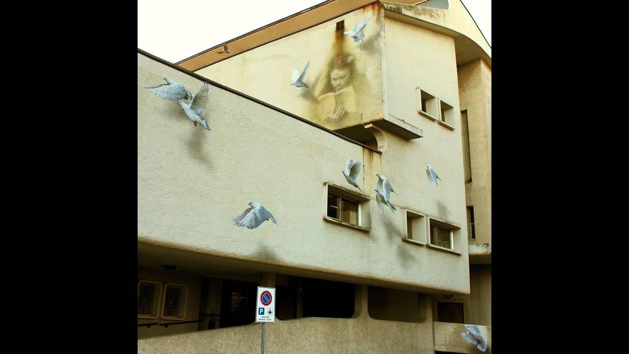 https://cdn.cnngreece.gr/media/news/2017/01/31/65340/photos/snapshot/Soul_of_the_wall_san__marino_eron2016web-1.jpg