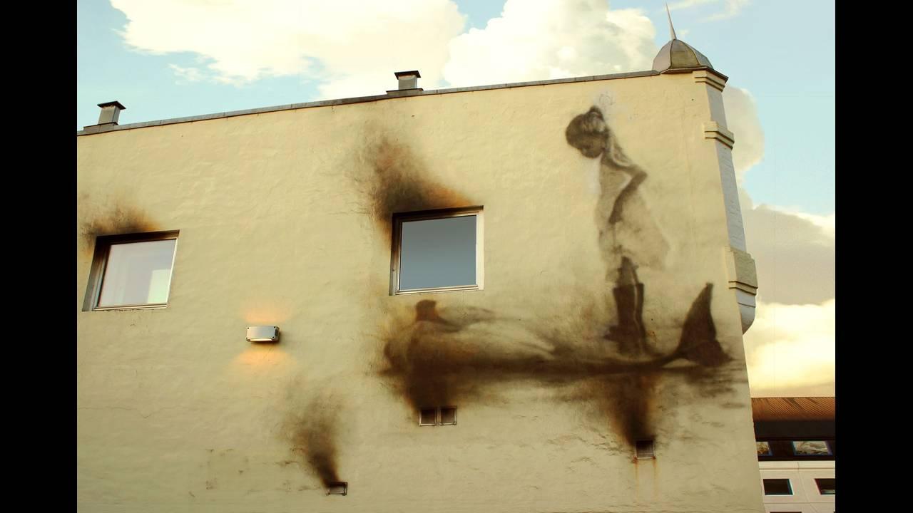 https://cdn.cnngreece.gr/media/news/2017/01/31/65340/photos/snapshot/eron__nuart_festival2016_soul_of_the_wall_stavanger_norway.jpg