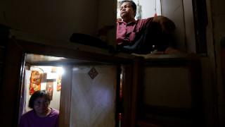 Χονγκ Κονγκ: Η στεγαστική κρίση αυξάνει τα «σπίτια-φέρετρα» (pics)