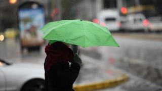 Καιρός: Μικρή άνοδος της θερμοκρασίας και ασθενείς βροχές την Τετάρτη