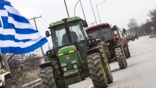 Δεν κάνουν πίσω οι αγρότες - Ενισχύονται τα μπλόκα