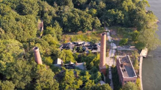 North Brother Island: Η «Σπιναλόγκα» της Νέας Υόρκης από ψηλά (Vid)