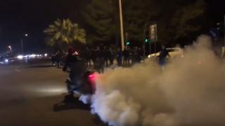«Κόντρες» στη Βάρκιζα: Πετούσαν σχάρες από φρεάτια στους αστυνομικούς (pics&vid)
