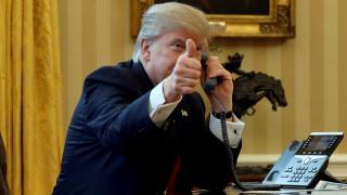Δημοσκόπηση ανατροπή: Οι μισοί Αμερικανοί συμφωνούν με το διάταγμα Τραμπ