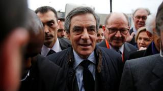 Γαλλία: Το 69% των Γάλλων θέλει να παραιτηθεί ο Φιγιόν