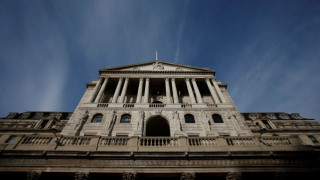 Βρετανία: Η Τράπεζα της Αγγλίας προβλέπει υψηλότερη ανάπτυξη της οικονομίας