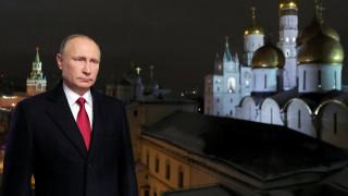 Λατρεία για τον Βλαντιμίρ Πούτιν σύμφωνα με δημοσκόπηση