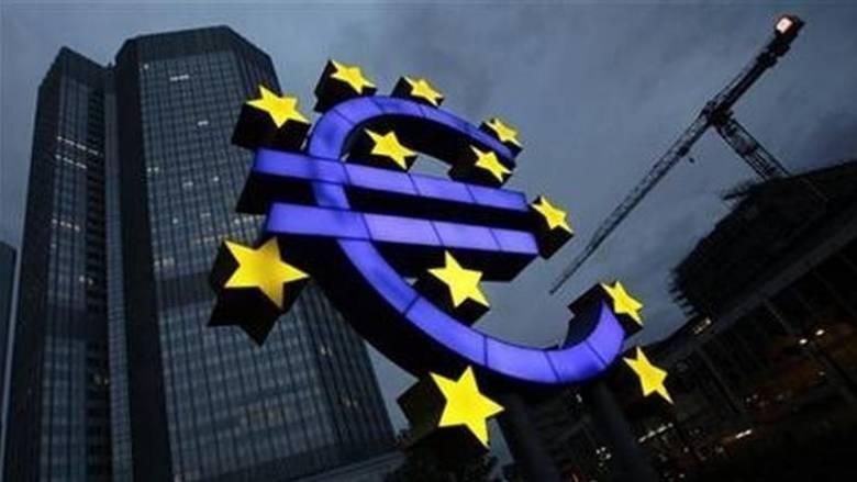 Μελέτη της ΕΚΤ αναφέρει για τους μισθούς και τις παρεμβάσεις των θεσμών