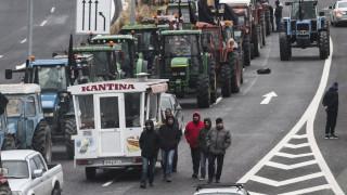 Μπλόκα αγροτών: Οι αγρότες Κεντρικής Μακεδονίας ζητούν συνάντηση με την κυβέρνηση