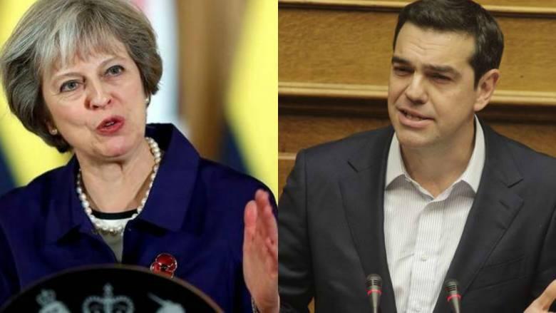 Financial Times: Η Μέι μιμείται τον Τσίπρα σε λαϊκισμό