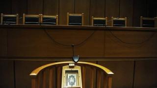Αναβλήθηκε η δίκη για τον φόνο ηλικιωμένου με 57 μαχαιριές για 100 ευρώ