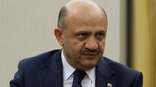 Τούρκος υπουργός Άμυνας: Να λύσουμε τα προβλήματα με την Ελλάδα με διάλογο