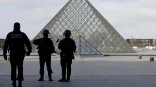 Λούβρο: Κλειστό κρατά το στόμα του ο φερόμενος ως δράστης