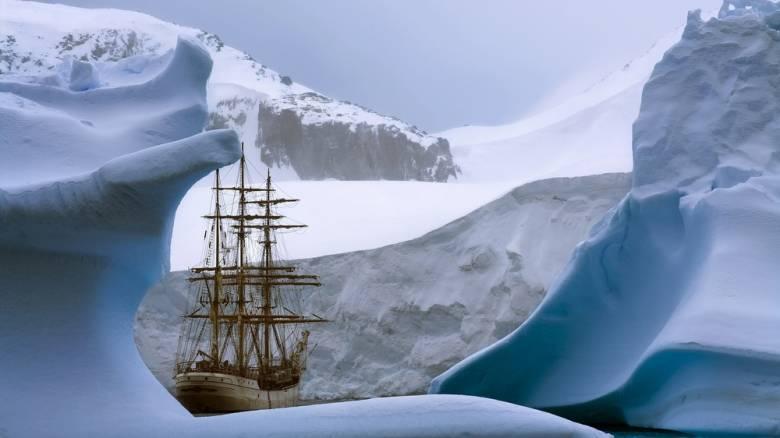 Η παγωμένη Ανταρκτική μέσα από τα μάτια ενός ταξιδιώτη φωτογράφου