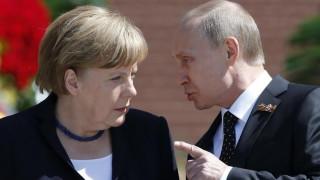 Τηλεφωνική επικοινωνία Μέρκελ- Πούτιν για την Ουκρανία