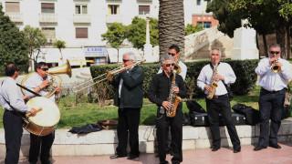 Κουδούνια και οργανοπαίκτες θα πλημμυρίσουν τη Θεσσαλονίκη