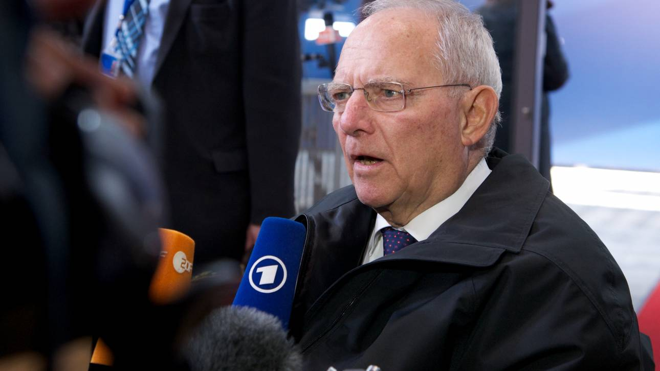 Βόμβα από Σόιμπλε: Κούρεμα χρέους μόνο με έξοδο της Ελλάδας από την ευρωζώνη